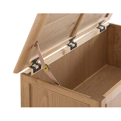 Bergen Oak Blanket Box